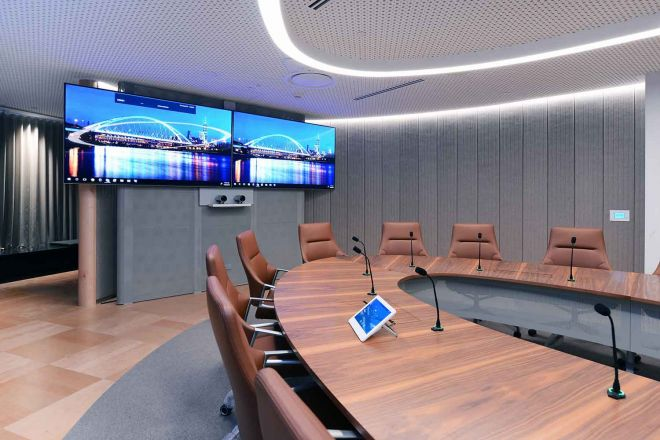 2021_1500x1000_IAG_large-meeting-room2