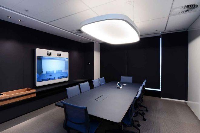 2021_1500x1000_IAG_medium-meeting-room